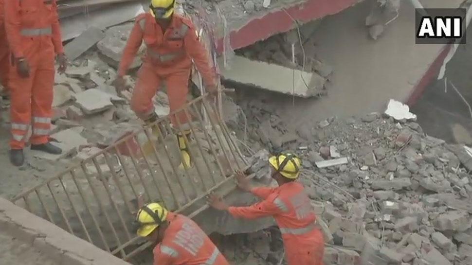 Building collapsed in shahberi Greater Noida three deadbodies found in rescue