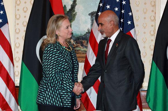 न्यूयॉर्क में अमेरिकी विदेश मंत्री हिलेरी क्लिंटन और लिबिया के राष्ट्रपति मोहम्मद मगरियाफ की मुलाबात।