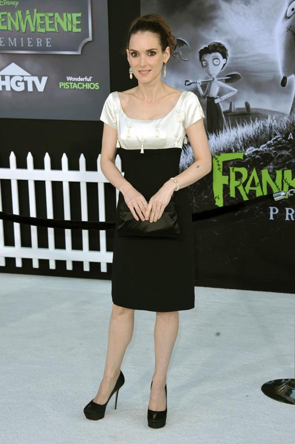 लॉस एंजिल्स में 'फ्रैंकनविनी' के प्रीमियर पर नजर आईं अभिनेत्री विनोना राइडर।