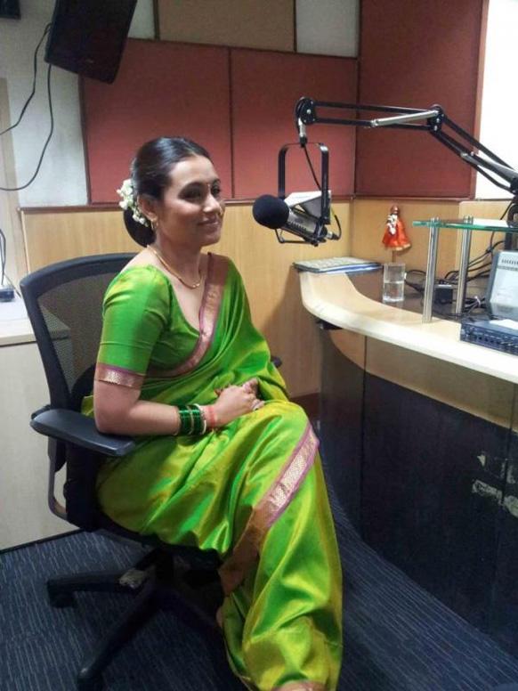 आगामी फिल्म 'आईया' के प्रोमोशन में व्यस्त अभिनेत्री रानी मुखर्जी।