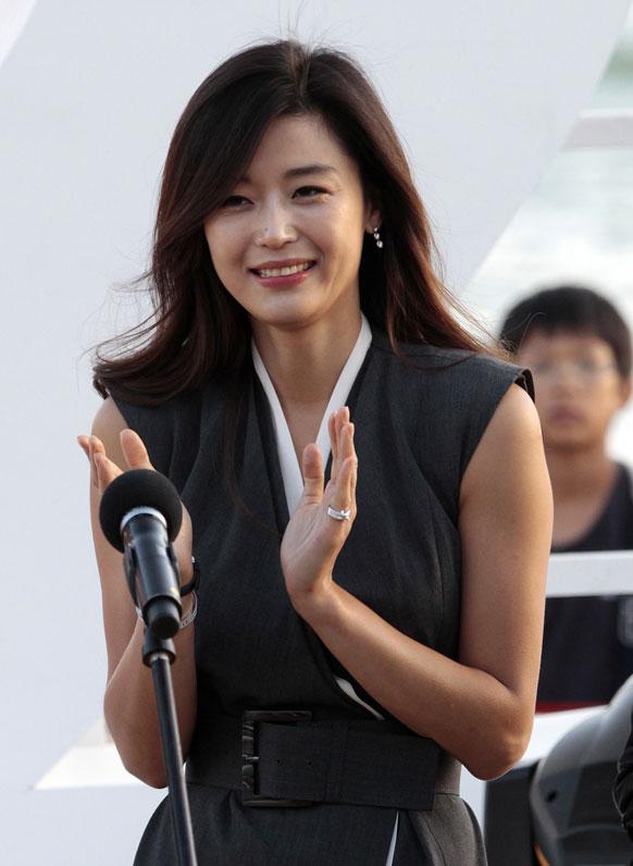 बुसान अंतरराष्ट्रीय फिल्म फेस्टिवल के दौरान साउथ कोरियन अभिनेत्री जीओन जी ह्युन।