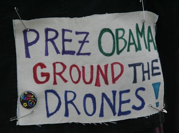 अमेरिकी राष्ट्रपति चुनावों के दौरान बराक ओबामा पर प्रचार के होर्डिंग्स।