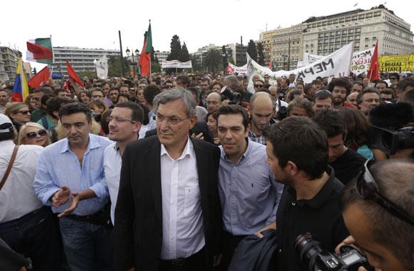 एथेंस मे विपक्षी पार्टी के सदस्य।