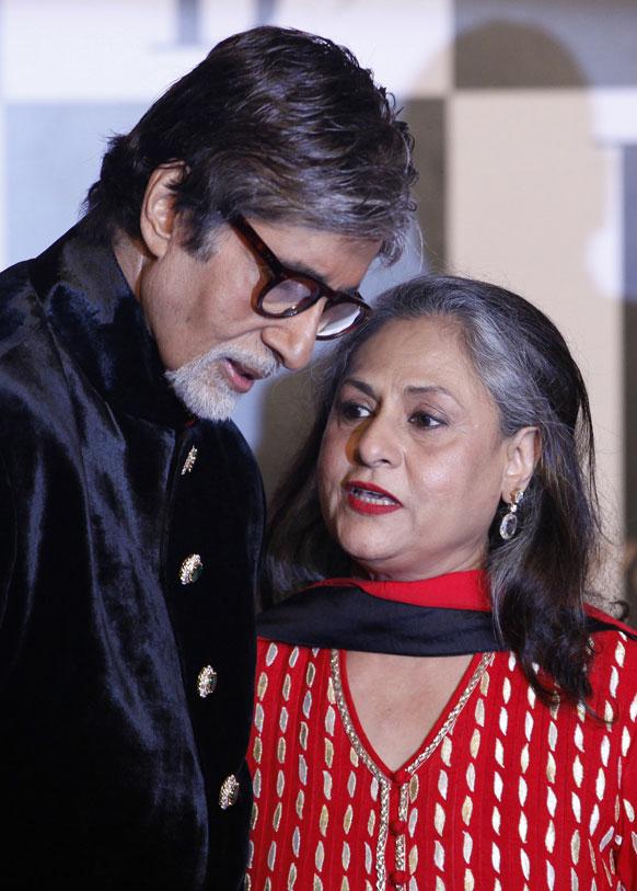 अमिताभ बच्चन अपनी पत्नी जया बच्चन के साथ।