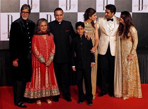 इस मौके पर अमिताभ अपने पूरे परिवार के साथ।