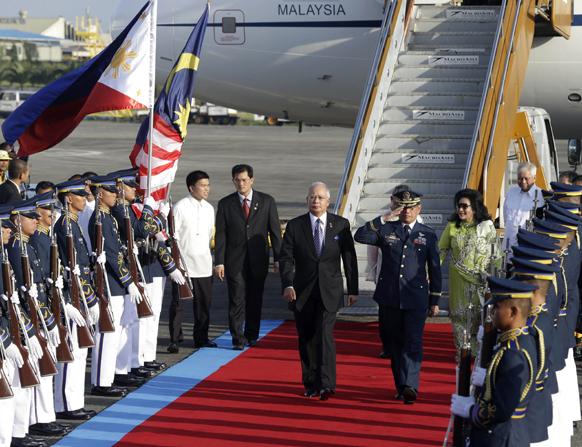 मनीला में मलेशिया के प्रधानमंत्री नजीब रजाक।