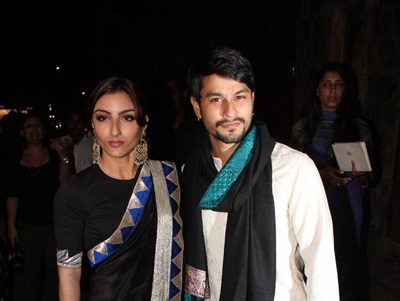 सैफ-करीना के संगीत समारोह में पहुंचे सोहा अली खान और कुनाल खेमू।
