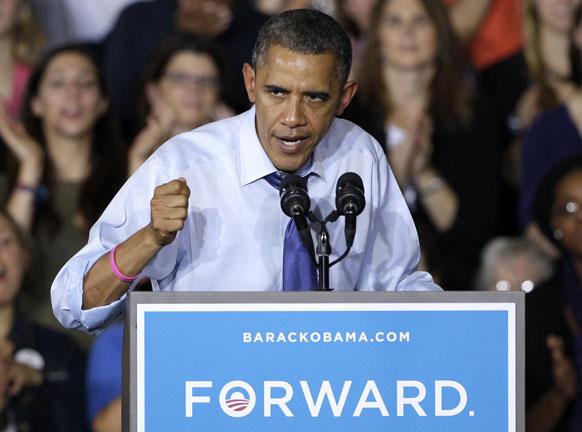 कोरनेल कॉलेज में लोगों को संबोधित करते अमेरिकी राष्ट्रपति बराक ओबामा।