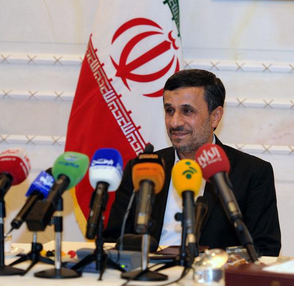 एशिया कॉरपोरेशन डायलाग में इरान के राष्ट्रपति महमूद अहमदीनेजाद।