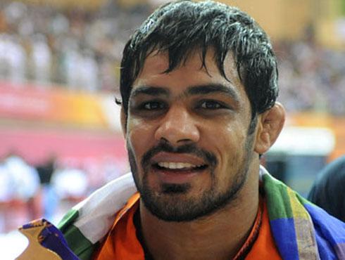 <h3>सुशील कुमार</h3><br/><br><br>भारतीय पहलवान सुशील ने वर्ष 2008 के बीजिंग ओलंपिक के में कांस्य पदक जीता था। सुशील ने भारत में कुश्ती जैसे पारंपरिक और ओलंपिक खेल को एक नई पहचान दी। सुशील ने 66 किलोग्राम वर्ग कुश्ती प्रतियोगिता में कज़ाखस्तान के पहलवान को हराकर कांस्य पदक जीता था।<br><br>सुशील का जन्म दिल्ली के नजफगढ़ में 26 मई, 1983 को हुआ था। सुशील कुमार के दादा, पिता और बड़े भाई कुश्ती किया करते थे. सुशील भी परिवार से प्रभावित होकर सातवीं कक्षा से ही पहलवानी करने लगे।  सुशील ने अर्जुन पुरस्कार से सम्मानित गुरू सतपाल, यशबीर और रामफल से पहलवानी के गुर सीखे हैं। ओलंकिपक में जिस तरीके की उन्होंने तैयारी की है उससे भारत को उनसे पदक की उम्मीदें है। सुशील की खासियत है कि वह बोलते कम है और करके दिखाने में यकीन रखते है। <br><br>