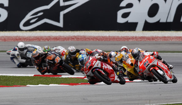 सेपांग में मोटो 3 मलेशियन मोटरसाइकिल ग्रैंड प्रिक्स का एक दृश्य।
