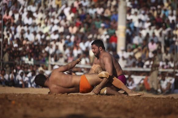 भारत-पाकिस्तान के बीच मिशन दोस्ती की प्रतियोगिता में जम्मू के भारत के रोहित ने बाजी मारी।