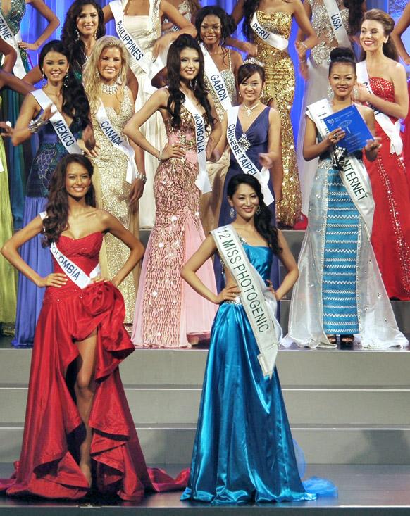 जापान के ओकीनावा में मिस इंटरनेशनल ब्यूटी 2012 की प्रतियोगिता में हिस्सा लेते प्रतिभागी।