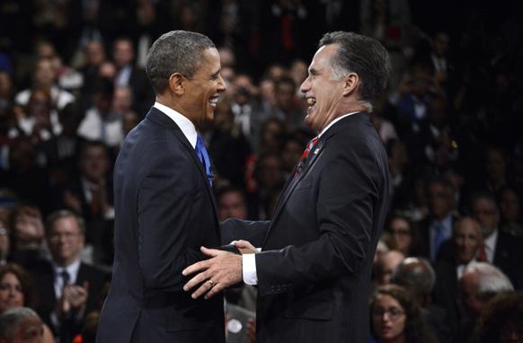 अमेरिकी राष्ट्रपति चुनाव से पहले अंतिम बहस के दौरान बराक ओबामा और मिट रोमनी।