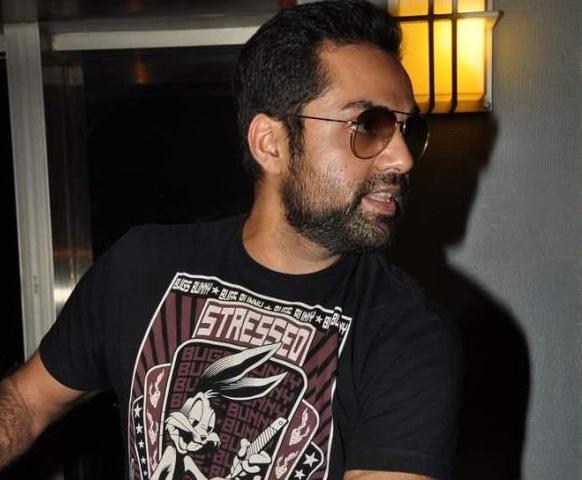 मुम्बई में अपनी फिल्म 'चक्रव्यूह' का प्रचार करते अभिनेता अभय देओल।