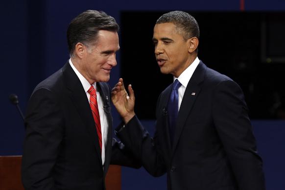 अमेरिकी राष्ट्रपति चुनाव 2012: राष्ट्रपति बराक ओबामा और रिपब्लिकन उम्मीदवार मिट रोमनी प्रेसिडेंशियल डिवेट के दौरान।