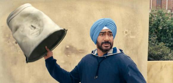 फिल्म में गुस्सैल किरदार को निभाते हुए अजय देवगन।