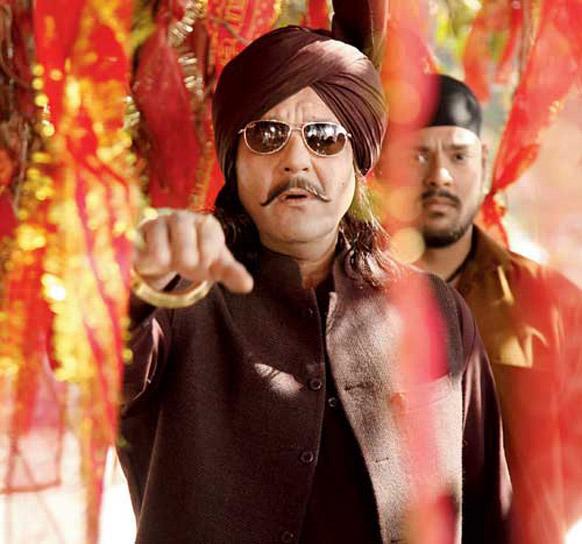 अपने लंबे फिल्मी कैरियर में पहली बार एक सिख पात्र की भूमिका निभाते हुए संजय दत्त।