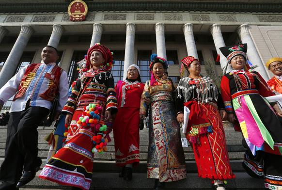बीजिंग में 18वीं कम्यूनिस्ट पार्टी कांग्रेस के सत्र के दौरान चीनी प्रतिनिधिमंडल।