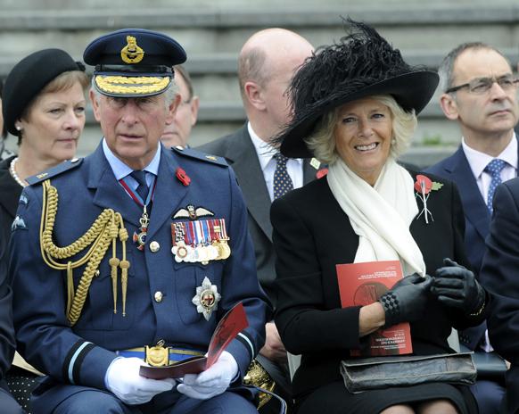 न्यूजीलैंड में ब्रिटेन के प्रिंस चार्ल्स और उनकी पत्नी कैमिला।