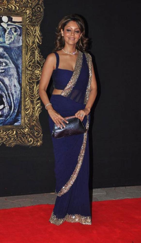 जब तक है जान फिल्म के प्रीमियर के मौके पर शाहरुख की पत्नी गौरी खान।