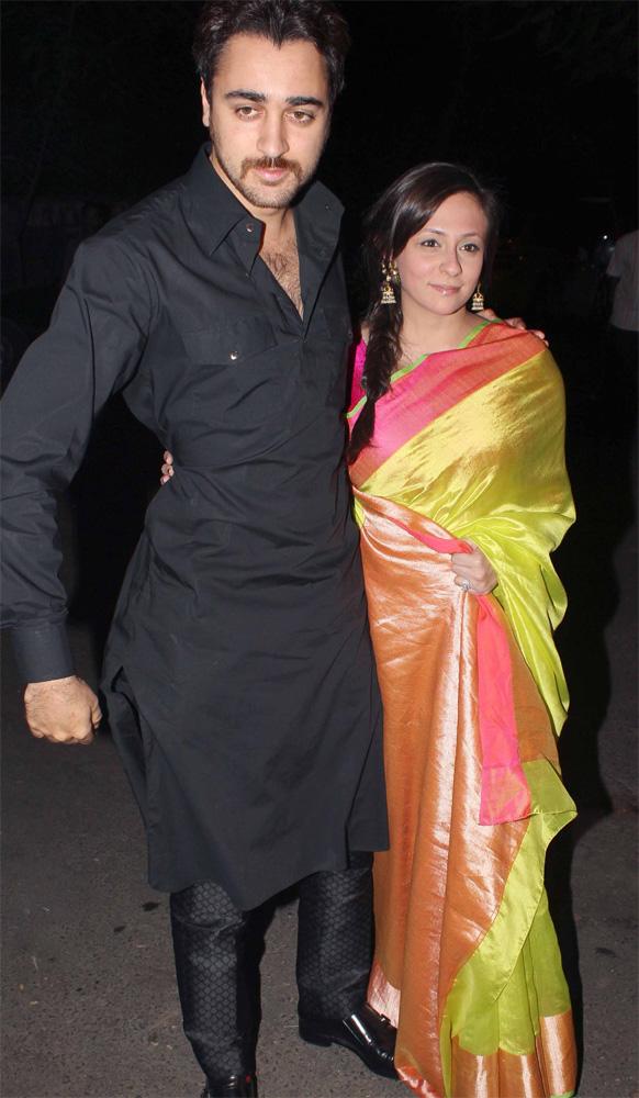 दिवाली पार्टी के मौके पर अदाकार इमरान खान और उनकी पत्नी अवंतिका।
