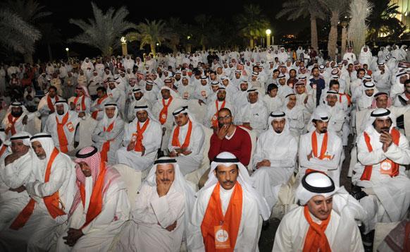 कुवैत में विपक्षी पार्टी के नेता एक सम्मेलन के दौरान।