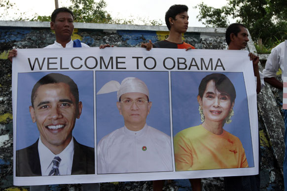 अमेरिकी राष्ट्रपति ओबामा के यंगून यात्रा से पहले शहर में लगी तस्वीर।