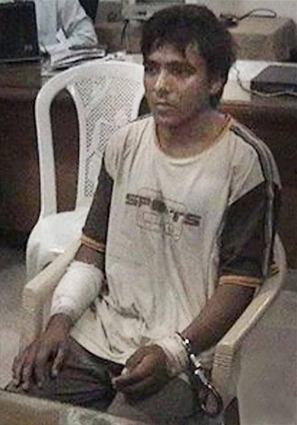 फाइल- मुंबई जेल में मुंबई हमले का आरोपी आमिर अजमल कसाब।