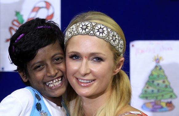 अमेरिकी सेलिब्रिटी पेरिस हिल्टन भारत दौरे पर मुंबई में।