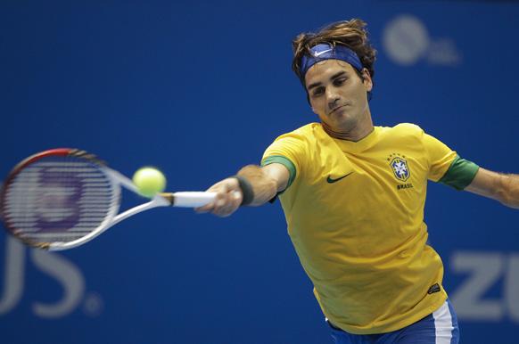 साओ पाउलो में टेनिस टूर्नामेंड के दौरान रोजर फेडरर।