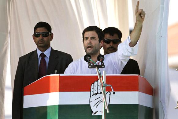 गुजरात विधानसभा चुनाव प्रचार के दौरान कांग्रेस पार्टी नेता राहुल गांधी।