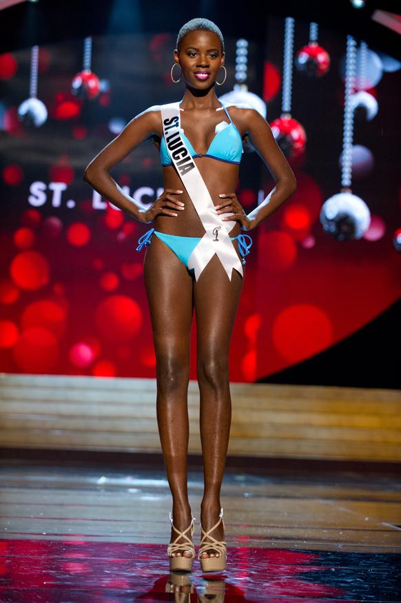 मिस यूनिवर्स 2012 स्विमसूट स्पर्धा के दौरान  मिस सेंट लुसिया टारा एडवर्ट।