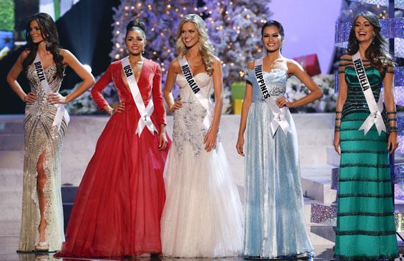 मिस यूनिवर्स 2012 के अंतिम पांच प्रतिभागी।