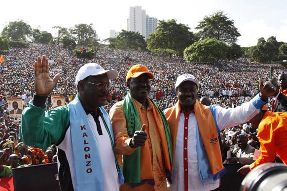 नैरोबी में एक रैली में शरीक केन्या के पीएम।