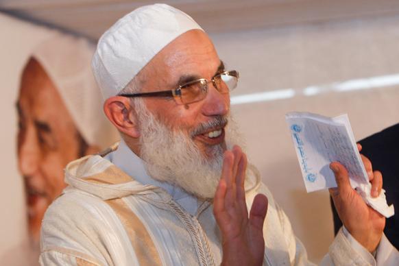 मोरक्को में एक संवाददाता सम्मेलन के बाद मूवमेंट अल अद्ल वल के महासचिव मोहम्मद अल-अब्बादी।