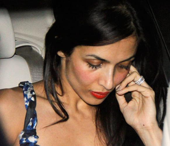 सलमान खान के जन्मदिन के मौके पर हुई पार्टी में शिरकत करने आती हुईं मलाइका अरोड़ा खान।