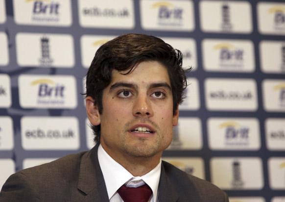 लंदन में प्रेस कॉन्फ्रेंस के दौरान संबोधित करते इंग्लैंड क्रिकेट टीम के कप्तान एलिस्टर कुक।