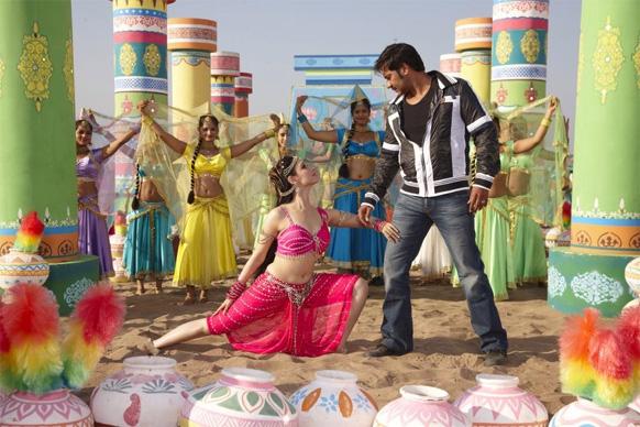 साजिद खान ने 80 के दशक के गाने 'ता थैय्या' को रिक्रिएट कर अजय देवगन की फिल्म हिम्मतवाला के लिए तैयार किया।