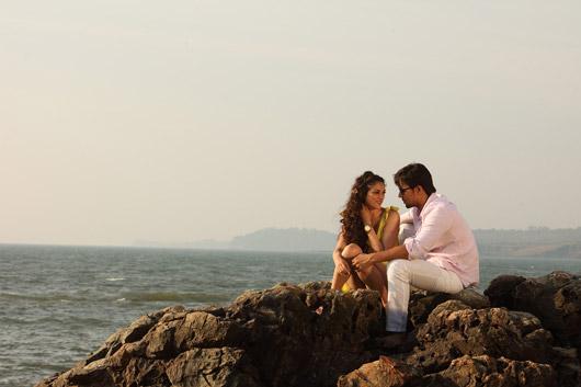 फिल्म के एक दृश्य में रणदीप हुडा और अदिति राव हैदरी।