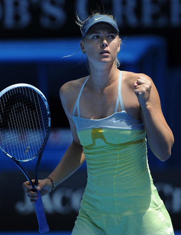 ऑस्ट्रेलियन ओपेन मुकाबले में पुचकोवा पर जीत हासिल करने के बाद मारिया शरापोवा।