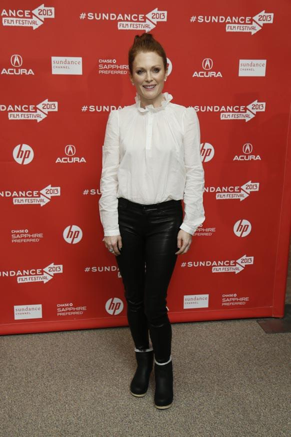 संडांस फिल्म फेस्टिवल के दौरान पोज देती अभिनेत्री जूलियाना मूर।