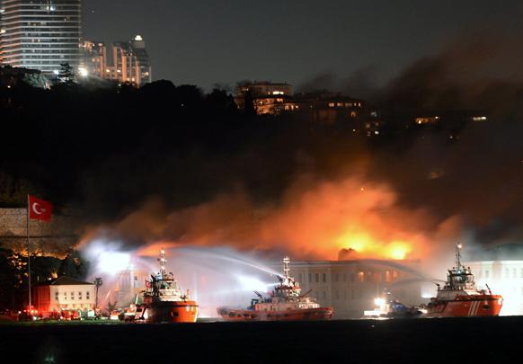 टर्की में आग से भयानक तबाही का एक मंजर।