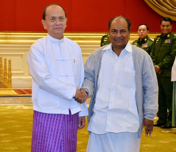 रक्षा मंत्री ए के एंटनी ने म्यामांर के राष्ट्रपति थेईन सेन से बातचीत की।