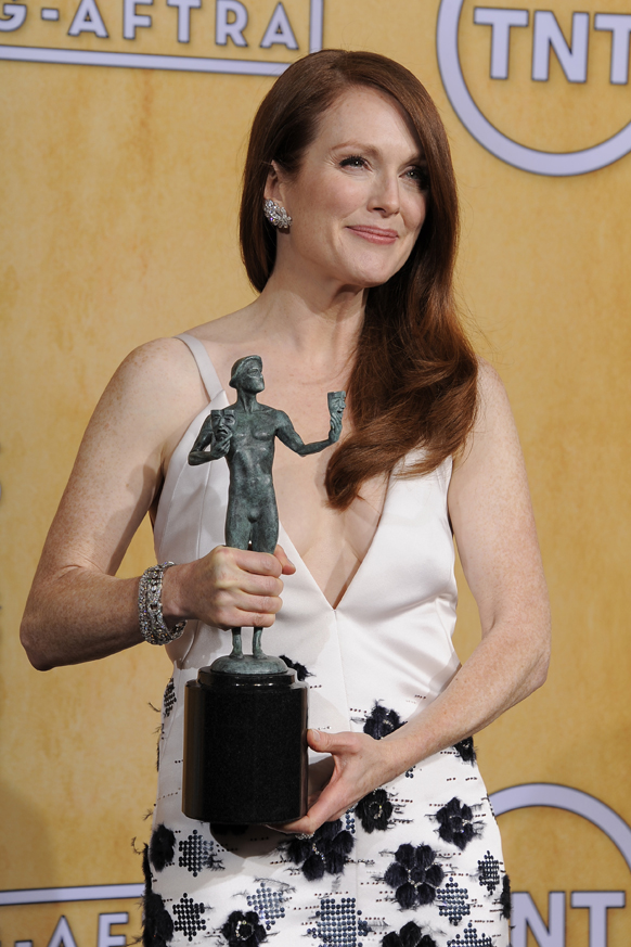 अदाकारा जूलियाना मूर को बेस्ट एक्ट्रेस इन टीवी का पुरस्कार मिला।