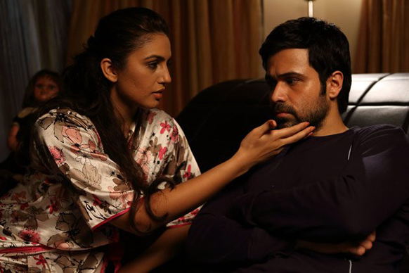 एकता कपूर की फिल्म 'एक थी डायन' में अभिनेत्री हुमा कुरैशी अभिनेता इमरान हाशमी के साथ।