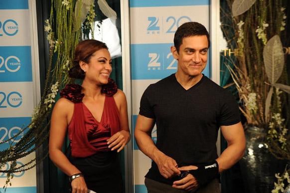 अभिनेता आमिर खान भी इस समारोह में शरीक हुए।