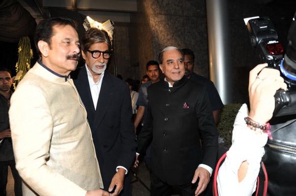 ज़ी टीवी के 20 साल के समारोह में एसेल ग्रुप के चेयरमैन सुभाष चंद्रा, सहारा ग्रुप के मालिक सुब्रत राय सहारा और अभिनेता अमिताभ बच्चन।