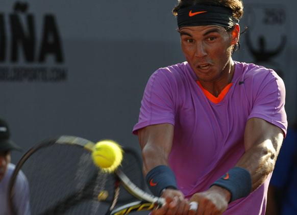 वीटीआर ओपन टेनिस टूर्नामेंट के दौरान स्पेन के राफेल नडाल।