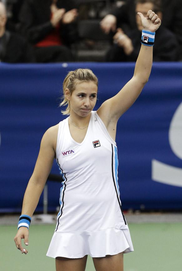 टेन में यूएस नेशनल इंडोर चैम्पियनशिप का फाइनल राउंड जीतने के बाद न्यूजीलैंड की मारिना इराकोविक।